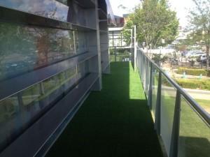 cesped-artificial-terraza-restaurante-4