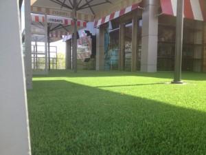 cesped-artificial-terraza-restaurante-8