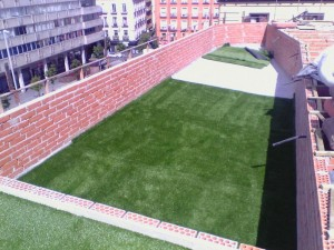 cesped-artificial-terraza-gymage-7