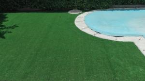 instalacion cesped artificial madrid piscina