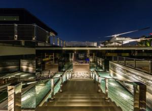 piscina mansion lujo bruce makowsky